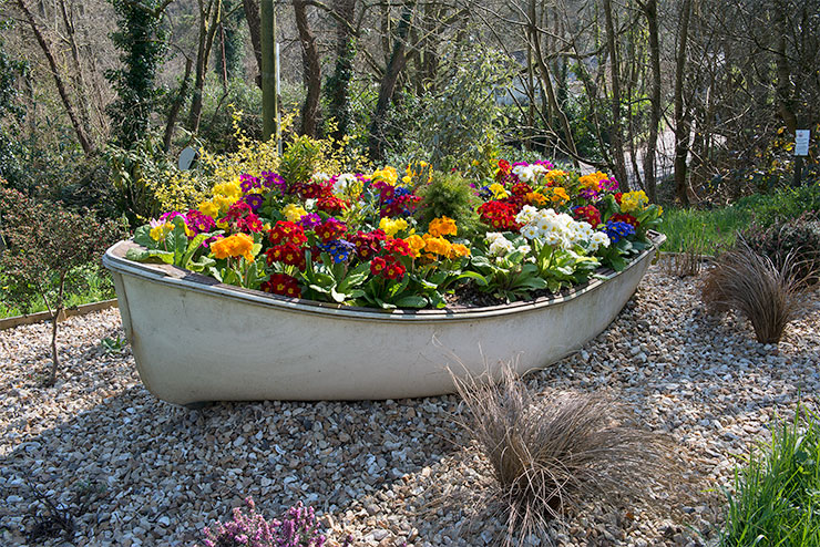 "Roadside ""Flower Boat"" at the western approach to the village.  Photo: © Keith Littlejohns"